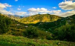 晴天和山在马拉加 免版税图库摄影