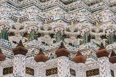 天在曼谷,泰国,黎明寺寺庙 库存图片