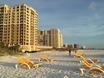 晴天在海滩的Clearwater 库存图片