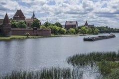 晴天在马尔堡,城堡 库存照片
