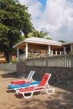 天堂海滩的轻便马车休息室 金斯敦,圣徒Visent 免版税图库摄影