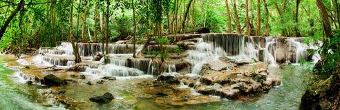 天堂瀑布(Huay Mae Kamin瀑布) 免版税库存照片