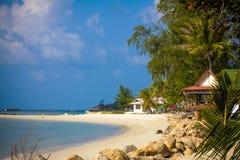 天堂自然、海水、夏天和旅馆房子 免版税库存图片