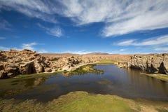 天堂风景、湖和奇怪的岩层,玻利维亚 图库摄影