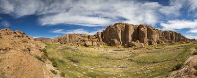 天堂风景、湖和奇怪的岩层,玻利维亚 库存照片