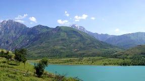 天山山的湖 库存照片