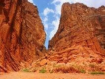 天山神奇大峡谷入口 免版税库存照片