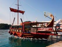 天巡航小船,莱夫卡斯州,希腊 免版税图库摄影