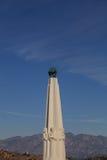 天文学家纪念碑在格里菲斯观测所的格里斐斯公园,洛杉矶 库存图片