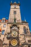 天文学时钟在老镇中心 库存照片