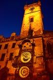 天文学时钟布拉格夜视图 免版税库存照片