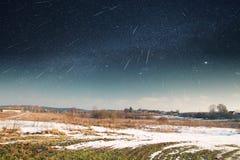 满天星斗的天空在冬天 库存图片