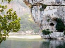 天然桥Pont d'弧在法国南部 免版税库存图片