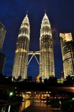 天然碱双塔在吉隆坡马来西亚 免版税图库摄影
