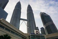 天然碱双塔在吉隆坡,马来西亚 免版税库存图片
