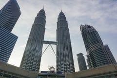 天然碱双塔在吉隆坡,马来西亚 免版税库存照片