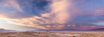 天然碱石峰 免版税库存照片