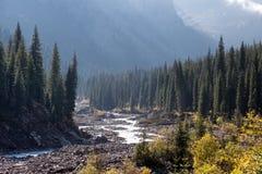 天狮单山的,哈萨克斯坦山峡谷 免版税图库摄影
