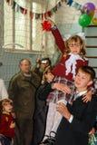 天的庆祝知识在其中一所俄罗斯的卡卢加州地区的农村学校中 库存图片