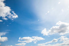 天空云彩、天空与云彩和太阳 免版税图库摄影