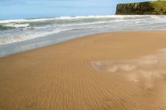 天空反射海滩 图库摄影