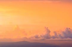 天空和云彩和太阳 图库摄影