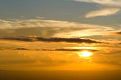 天空和云彩和太阳 库存图片