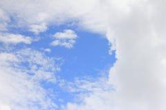 天空和云彩在天 库存图片