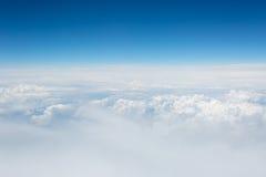 天空和云彩的看法从飞机 图库摄影