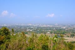天空和城市从山被采取了 图库摄影