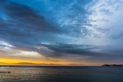 天空在黎明 免版税库存图片