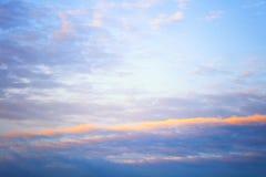 天空桃红色和蓝色颜色 抽象背景天空 库存图片