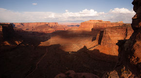 天空白色外缘足迹的Canyonlands犹他美国海岛 免版税库存照片