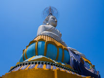 天空的大菩萨在泰国 免版税库存图片