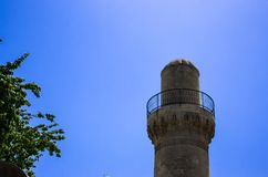 天空的清真寺尖塔 免版税库存图片