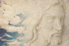 天空的耶稣基督 库存图片