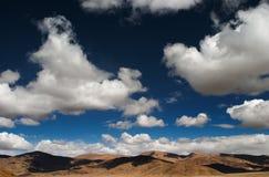 天空西藏 免版税库存照片