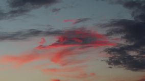 天空覆盖红色深蓝 影视素材