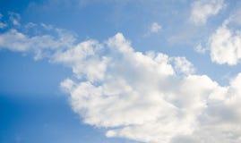 天空许多覆盖很新鲜 库存图片