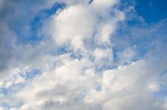 天空许多覆盖很新鲜 免版税图库摄影
