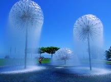 天空,蓝色,树,冬天,风景,自然,太阳,雪,云彩,白色,云彩,寒冷,光,季节,领域,树,圣诞节,夏天 库存照片