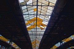 天窗在老工厂 免版税库存照片