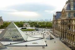 天窗巴黎都市风景和Carrousel de Triomphe 免版税图库摄影