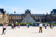 天窗Pyramid Pyramide du Louvre,巴黎 库存照片