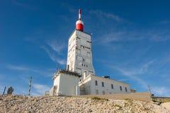 天线收音机和登上Ventoux,法国的气象台 免版税图库摄影