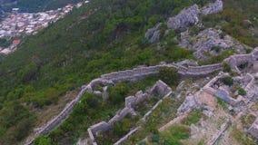 天线:在中世纪堡垒的飞行 股票视频