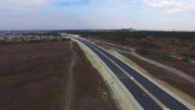 天线:新的高速公路的建筑在乡下 股票录像