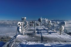 天线系统在冬天 免版税库存照片