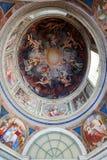 天花板在其中一个梵蒂冈博物馆的画廊中 免版税库存照片
