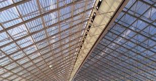 天花板在巴黎巴黎夏尔・戴高乐机场 免版税库存照片